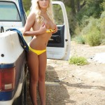 Beckiie Hague – Stripping From Bikini And Denim By The Truck - 11