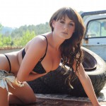 Emma Green – Black Bra And Denim Shorts On The Truck - 3