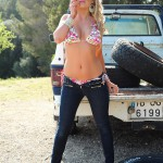 Vanessa Walker – Floral Bikini And Denim Jeans - 7