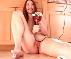 American MILFs Masturbate and Fuck Daily – Melody