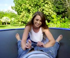 Ivy Rose – Twerks On Trampoline