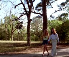 Jennifer Love Hewitt And Sarah Michelle Gellar – I Know What You Did Last Summer – 1997