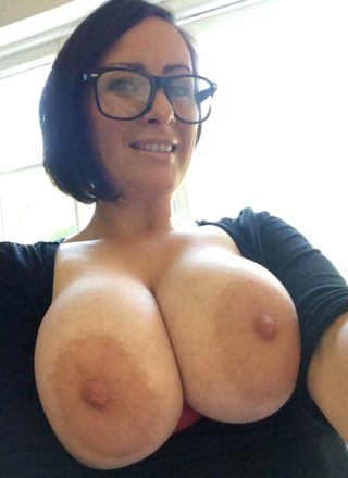 Attractive boobs and booty compilation by 'Waska Nude Posts'