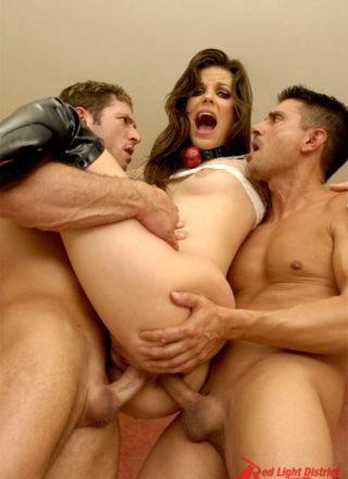 Bobbi Starr Presents Her Puckered Pooper