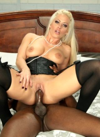 Holly Heart – Evil Milf