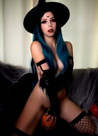 IJenNyan As Witch