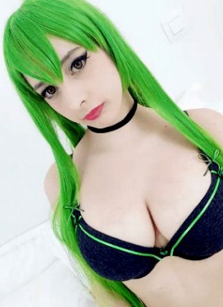 "Imgur""Uh? Don't Look!!"" 😡🤚 Poor C.C Being Peeked On! 'Code Geass' ~ By Mikomi Hokina ♥"