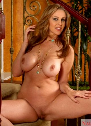 Julia Ann – Busty Milf Gets Naked