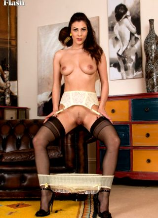 Roxy Mendez Vintageflash – First