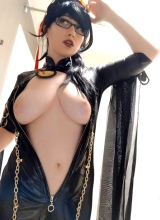Usatame As Bayonetta