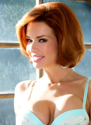 Veronica Avluv Brings A Little Scarlet To Your Day – Set One Of Numerous