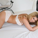 http://londonpussy.com/wp-content/gallery/000615_daisy_dash_-_white_and_rose_bra_and_panties_on_the_bed/daisy-dash_white-and-rose-bra-and-panties-on-the-bed_60684.jpg