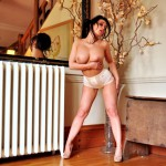 http://londonpussy.com/wp-content/gallery/000732_caty_cole_-_afternoon_relaxation/catycole-25-15.jpg