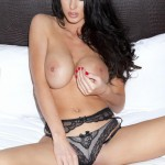 http://londonpussy.com/wp-content/gallery/000976_alice_goodwin_sat_down_playing_with_her_big_bangers/1.jpg