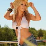 Nicole Ford – White Top And Tight Denim Shorts - 6