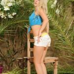 Rachel Mcdonald – Blue Top And White Denim Shorts - 7