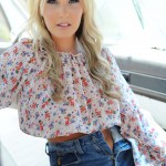 Rosy Obrian – Floral Top With Denim Shorts - 7