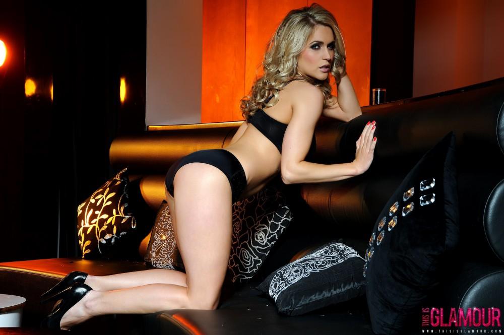 Kayleigh P – Black Bra And Panties