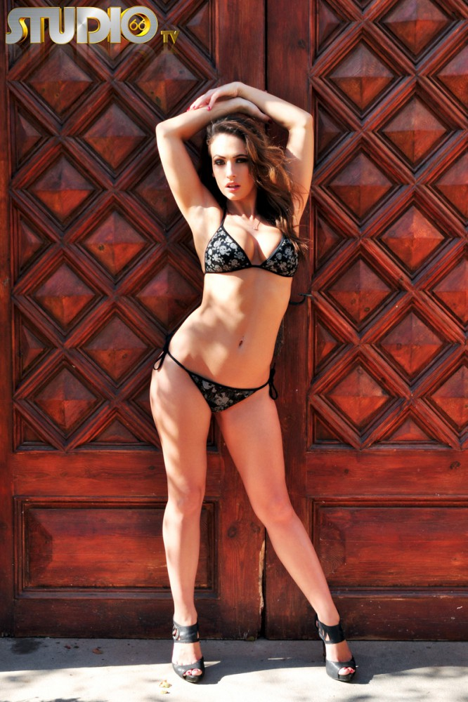 Anastasia Harris – Sunny