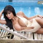 Fernanda Ferrari – Golden Swimsuit - 6