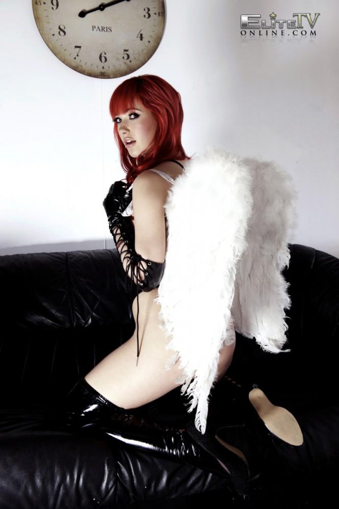 Sophia Knight – Red Hair Black Latex