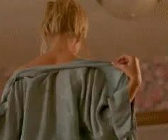Jaime Pressly Dropping Her Towel