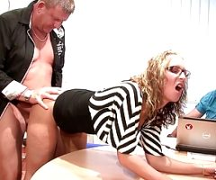 Two old Guys Fuck Teen with Glasses at Office – GERMAN RETRO