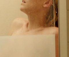 Yvonne Strahovski In Manhattan Night