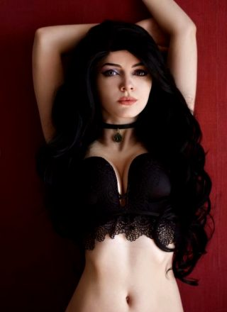 Boudoir Yennefer – Witcher – By Evenink_cosplay