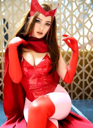 Comic Scarlet Witch By OMGcosplay
