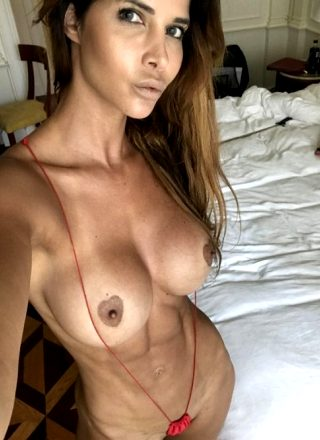 Fit Milf Takes A Sexy Picture