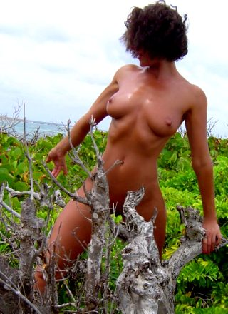 In The Wild – Naked But Not Afraid