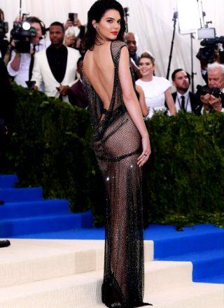 Kendall Jenner – Sexy Dress