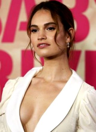 Lilly James 😍