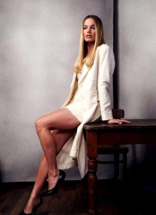 Margot Robbie Is Too Beautiful