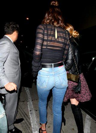 Miranda Kerr – Ass Shot