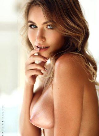 Nika Kolosova Nicole Young