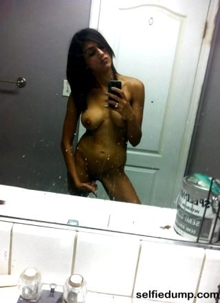Nude Girl Selfies