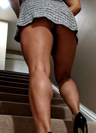 Ollow Me Upstairs 💋