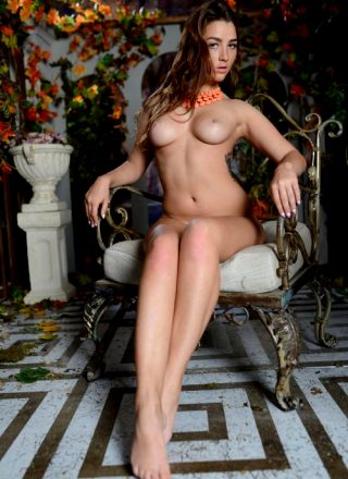 Photoset Nudity Brunette