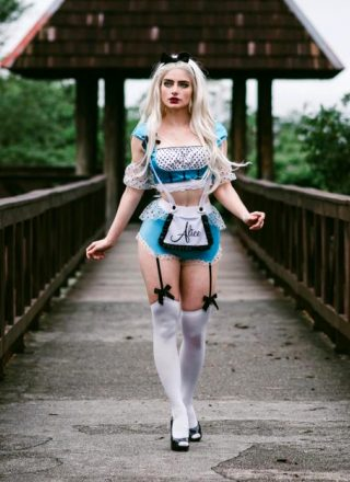 Rotten Queen As Alice In Wonderland